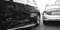 刚买几天的宝马车路口与出租车相撞 - Syd.Com.Cn