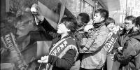 沈阳:清理卫生死角(图) - 辽宁频道