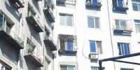 楼道起火 7楼居民跳到6楼阳台逃生 - Syd.Com.Cn